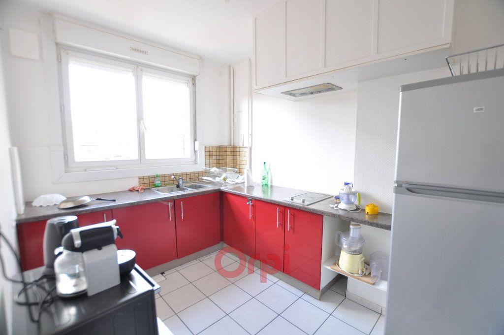 Appartement à louer 3 68m2 à Dunkerque vignette-2