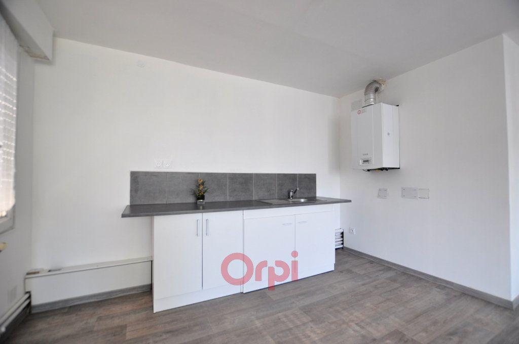 Appartement à louer 2 50m2 à Dunkerque vignette-2