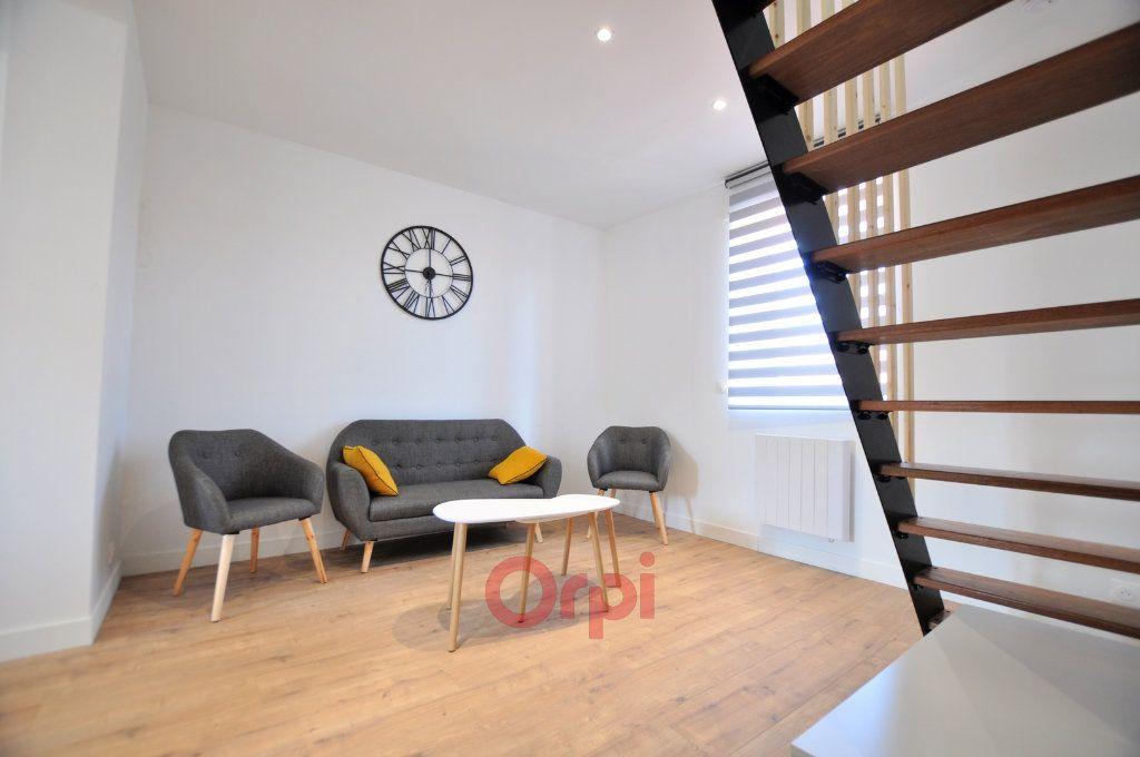 Appartement à louer 2 52.55m2 à Dunkerque vignette-2