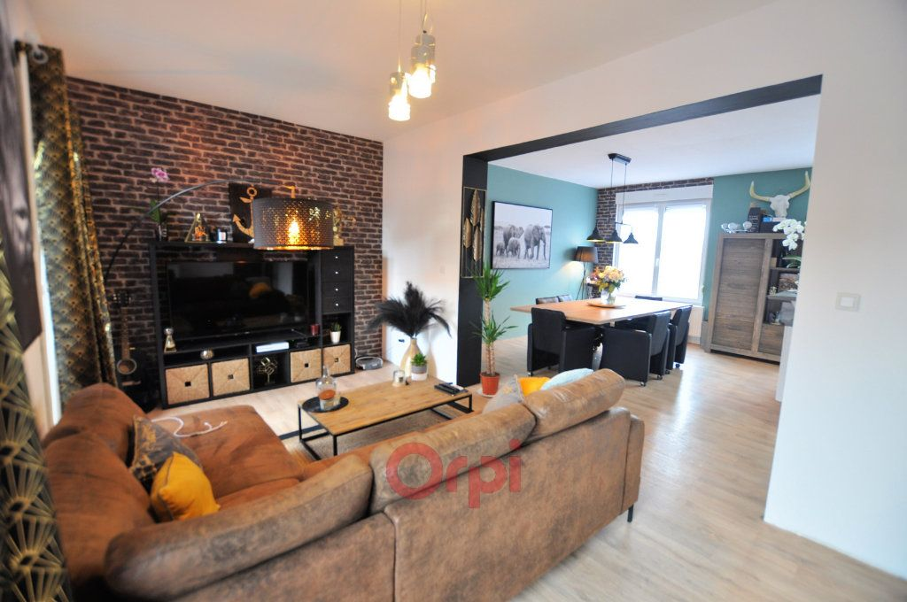 Maison à vendre 7 160m2 à Coudekerque-Branche vignette-1