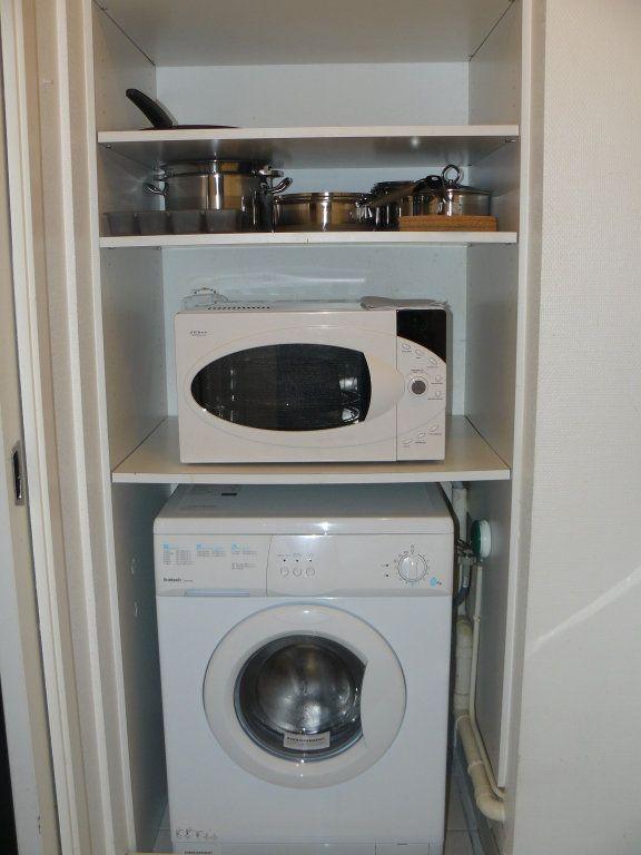 Appartement à louer 1 23m2 à Lorient vignette-7
