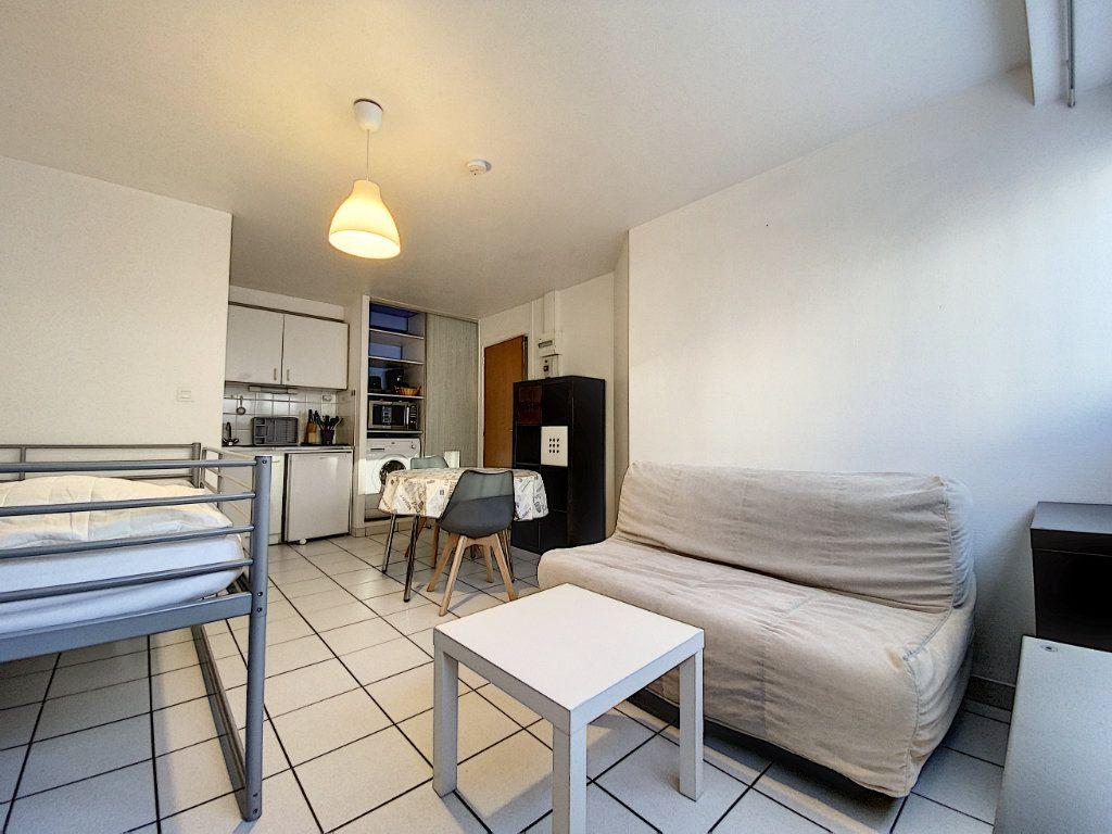 Appartement à louer 1 22m2 à Lorient vignette-5