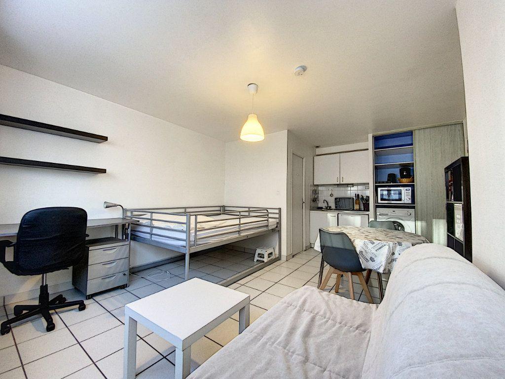 Appartement à louer 1 22m2 à Lorient vignette-6