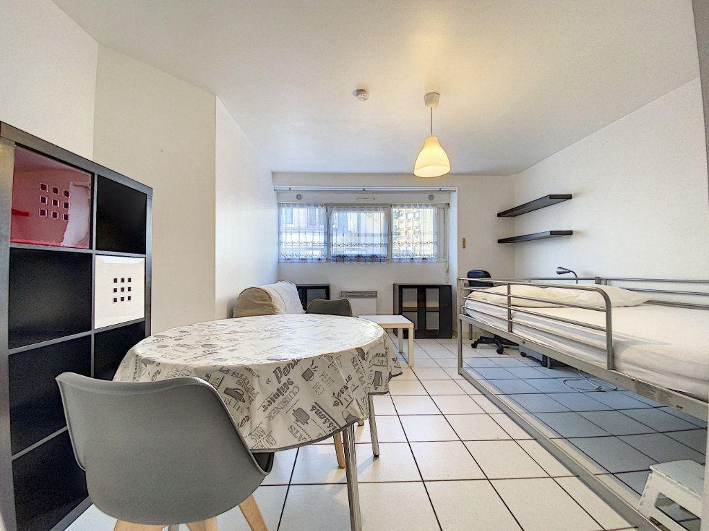 Appartement à louer 1 22m2 à Lorient vignette-8