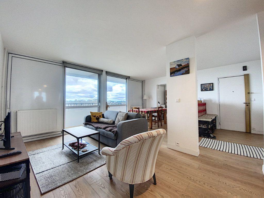 Appartement à louer 5 102m2 à Lorient vignette-4