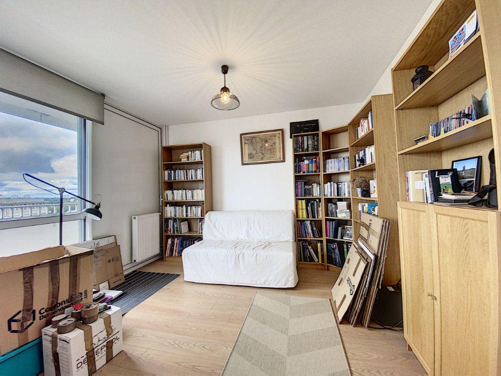 Appartement à louer 5 102m2 à Lorient vignette-6