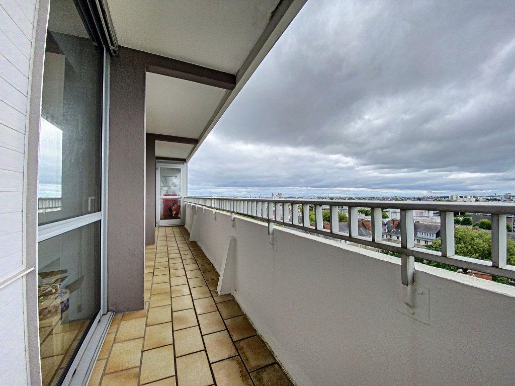 Appartement à louer 5 102m2 à Lorient vignette-10