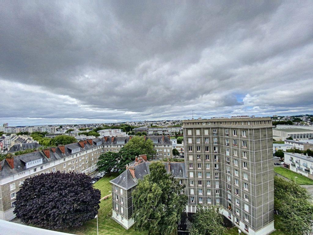 Appartement à louer 5 102m2 à Lorient vignette-11