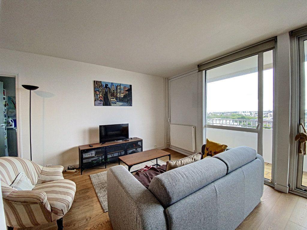 Appartement à louer 5 102m2 à Lorient vignette-12