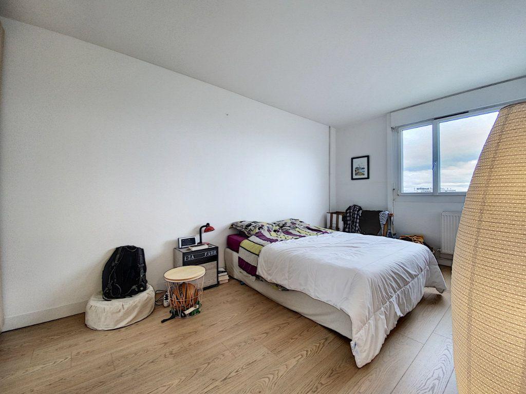 Appartement à louer 5 102m2 à Lorient vignette-14