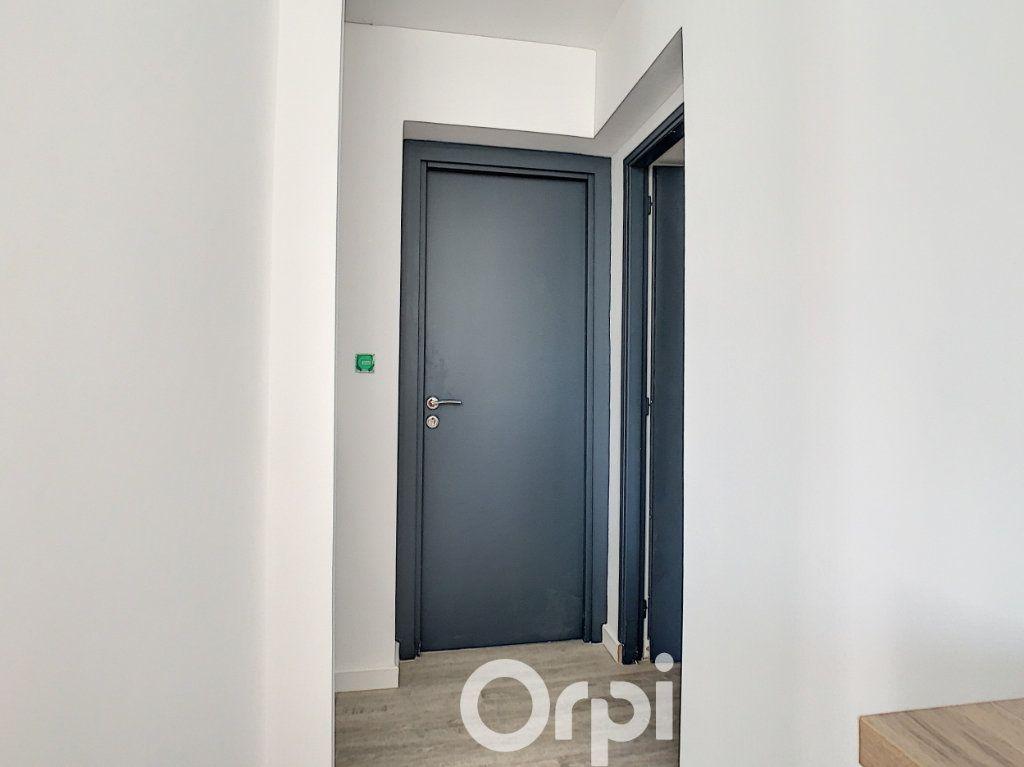 Appartement à louer 2 27m2 à Lorient vignette-6