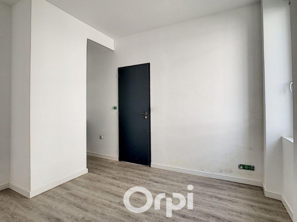 Appartement à louer 2 27m2 à Lorient vignette-9