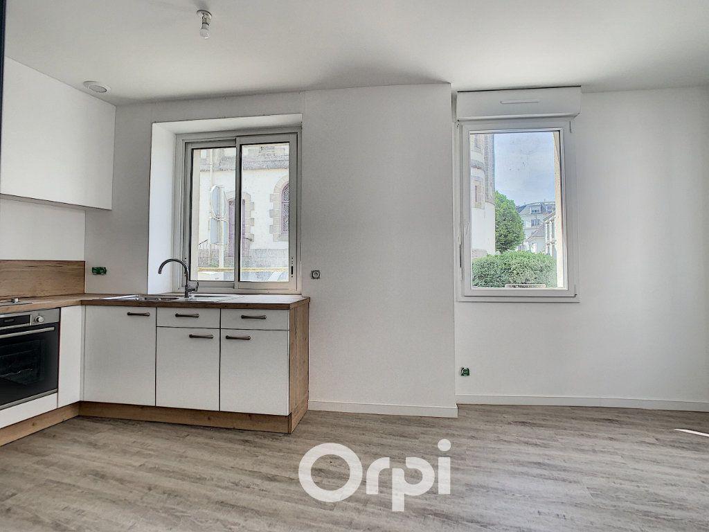 Appartement à louer 2 27m2 à Lorient vignette-10