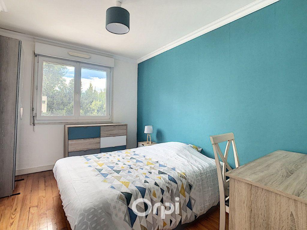 Appartement à louer 4 68.42m2 à Lorient vignette-8