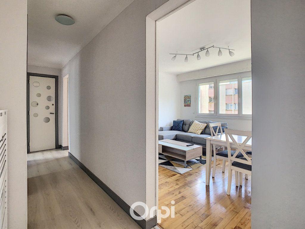 Appartement à louer 4 68.42m2 à Lorient vignette-10