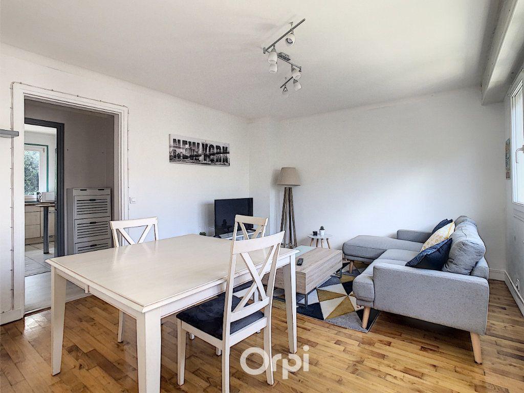 Appartement à louer 4 68.42m2 à Lorient vignette-13