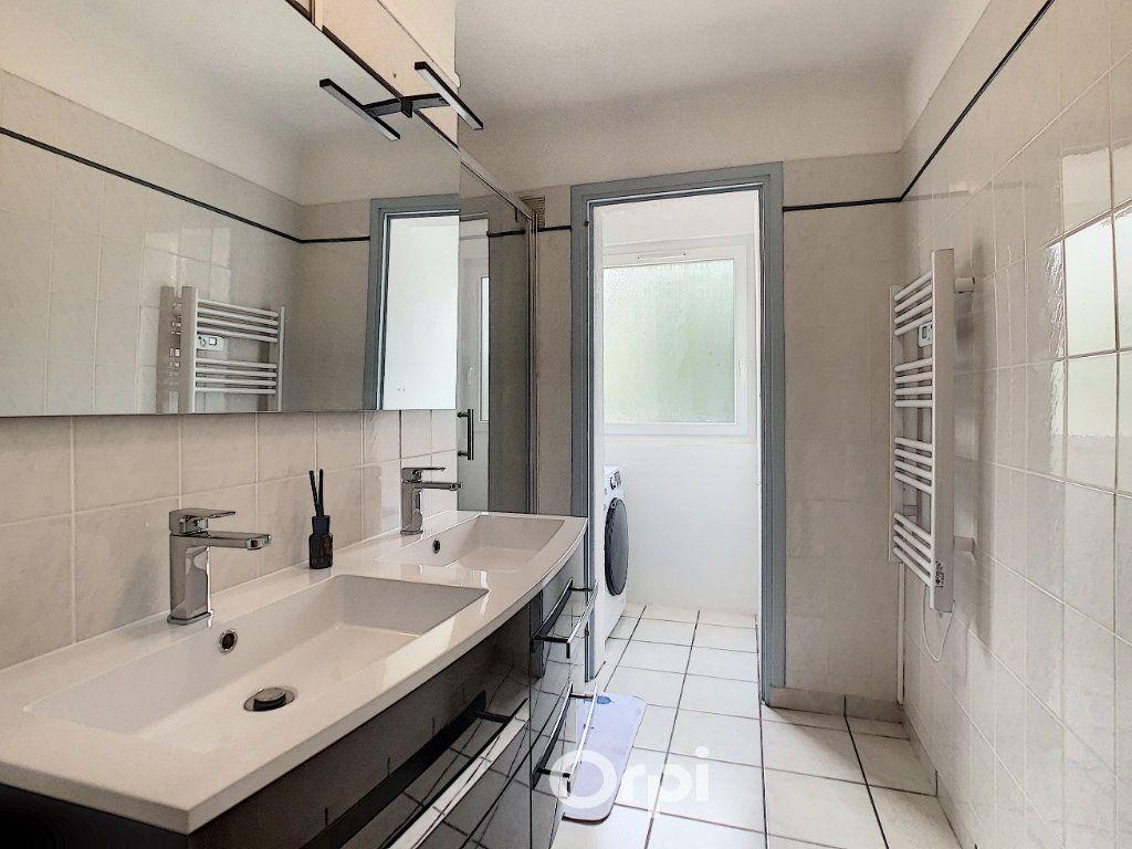Appartement à louer 4 68.42m2 à Lorient vignette-14
