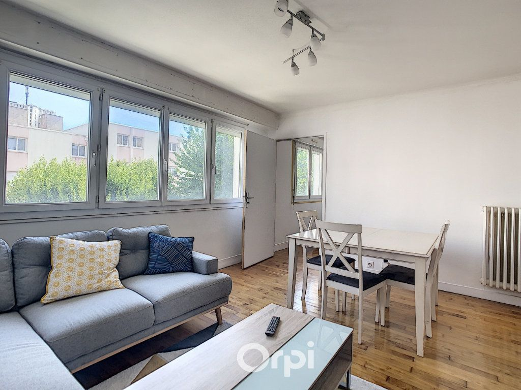 Appartement à louer 4 68.42m2 à Lorient vignette-16