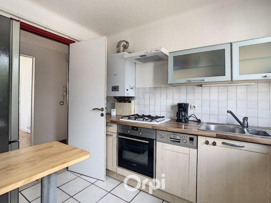 Appartement à louer 4 68.42m2 à Lorient vignette-17
