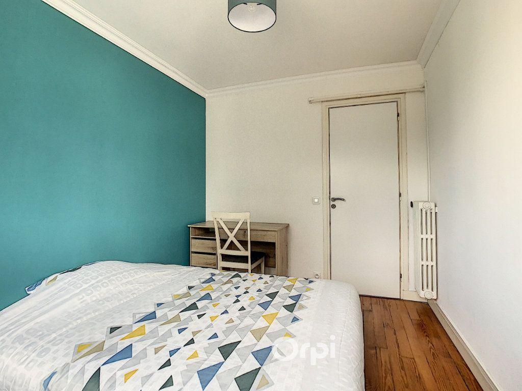 Appartement à louer 4 68.42m2 à Lorient vignette-18