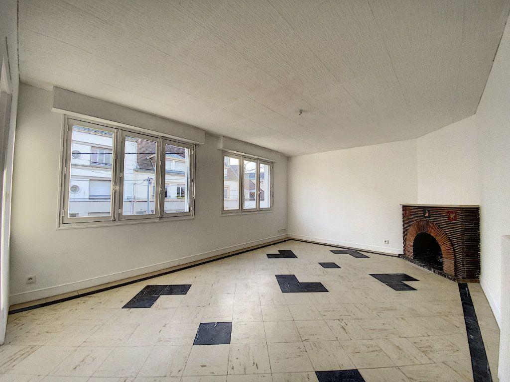 Appartement à louer 3 68m2 à Lorient vignette-1