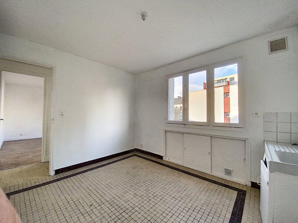 Appartement à louer 3 68m2 à Lorient vignette-4