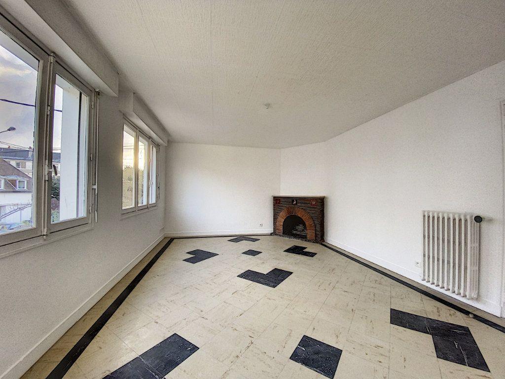 Appartement à louer 3 68m2 à Lorient vignette-11