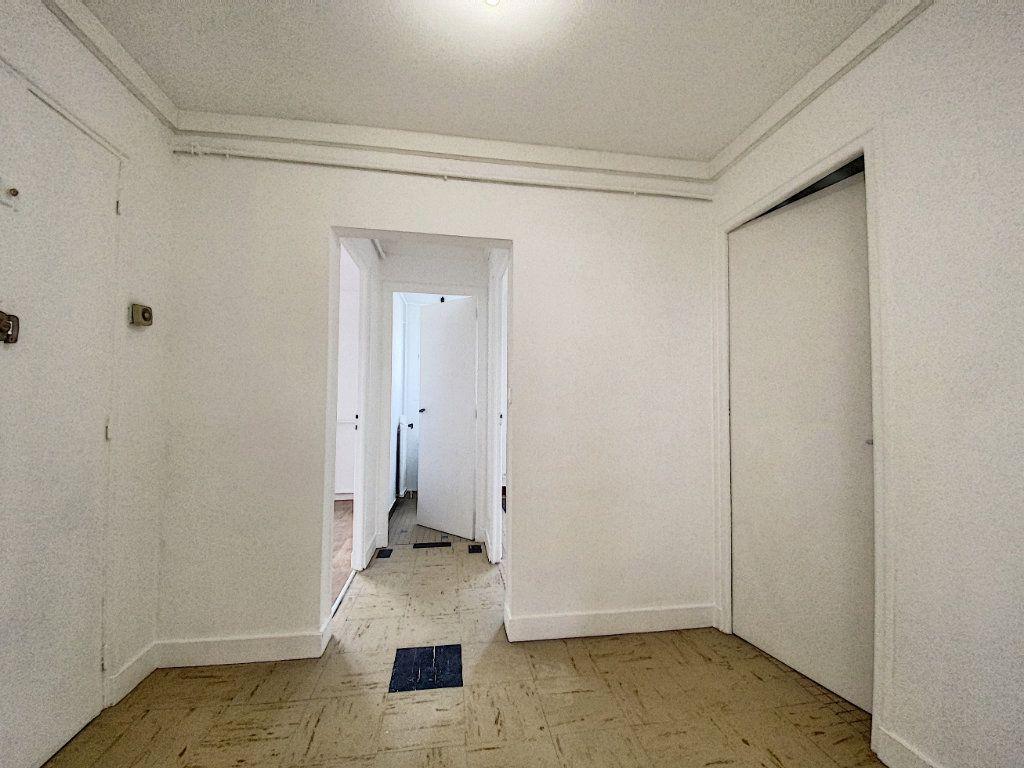 Appartement à louer 3 68m2 à Lorient vignette-12