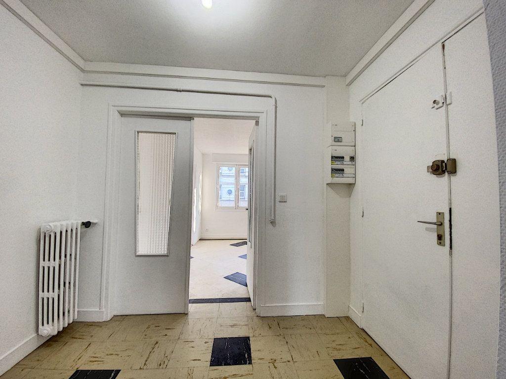 Appartement à louer 3 68m2 à Lorient vignette-13