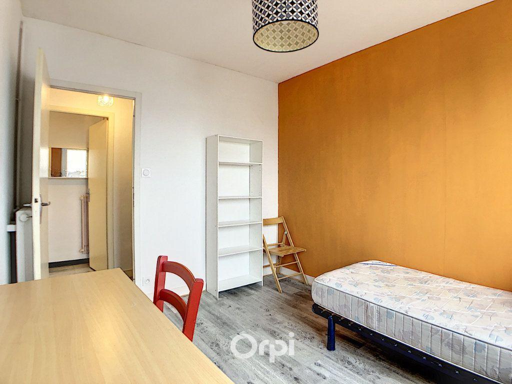Appartement à louer 3 70.82m2 à Lorient vignette-5