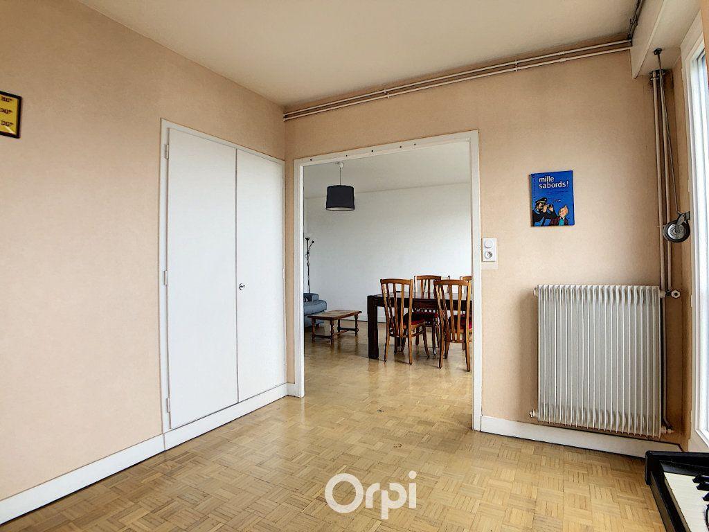 Appartement à louer 3 70.82m2 à Lorient vignette-7