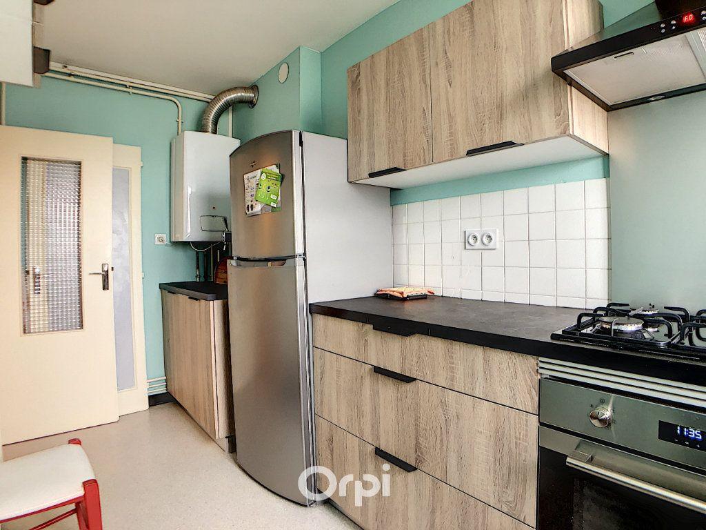 Appartement à louer 3 70.82m2 à Lorient vignette-14