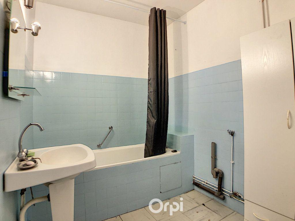 Appartement à louer 3 70.82m2 à Lorient vignette-17
