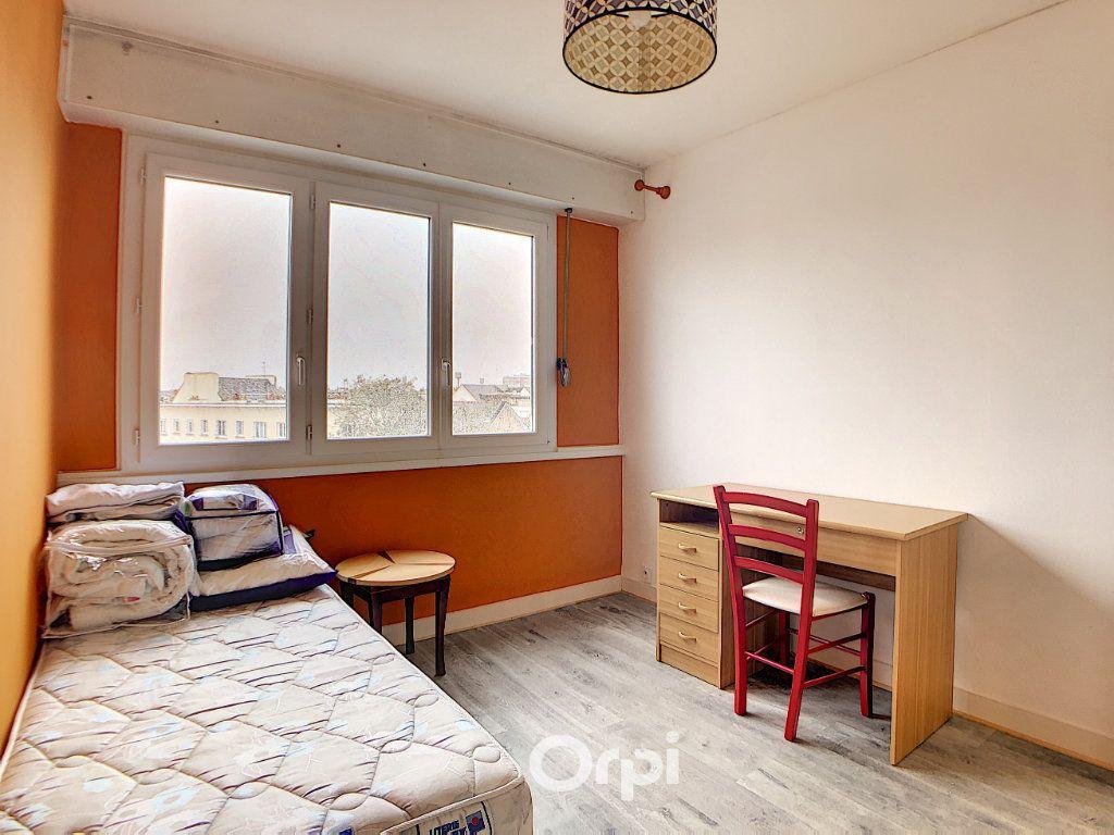 Appartement à louer 3 70.82m2 à Lorient vignette-18