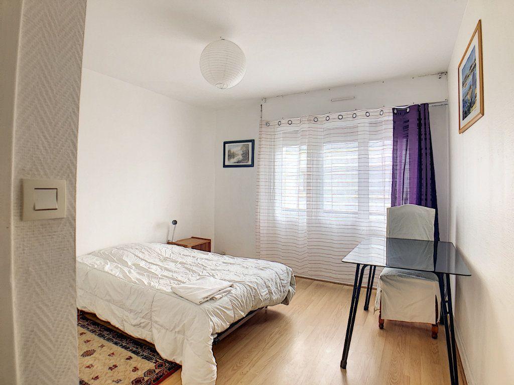 Appartement à louer 1 10m2 à Lorient vignette-5