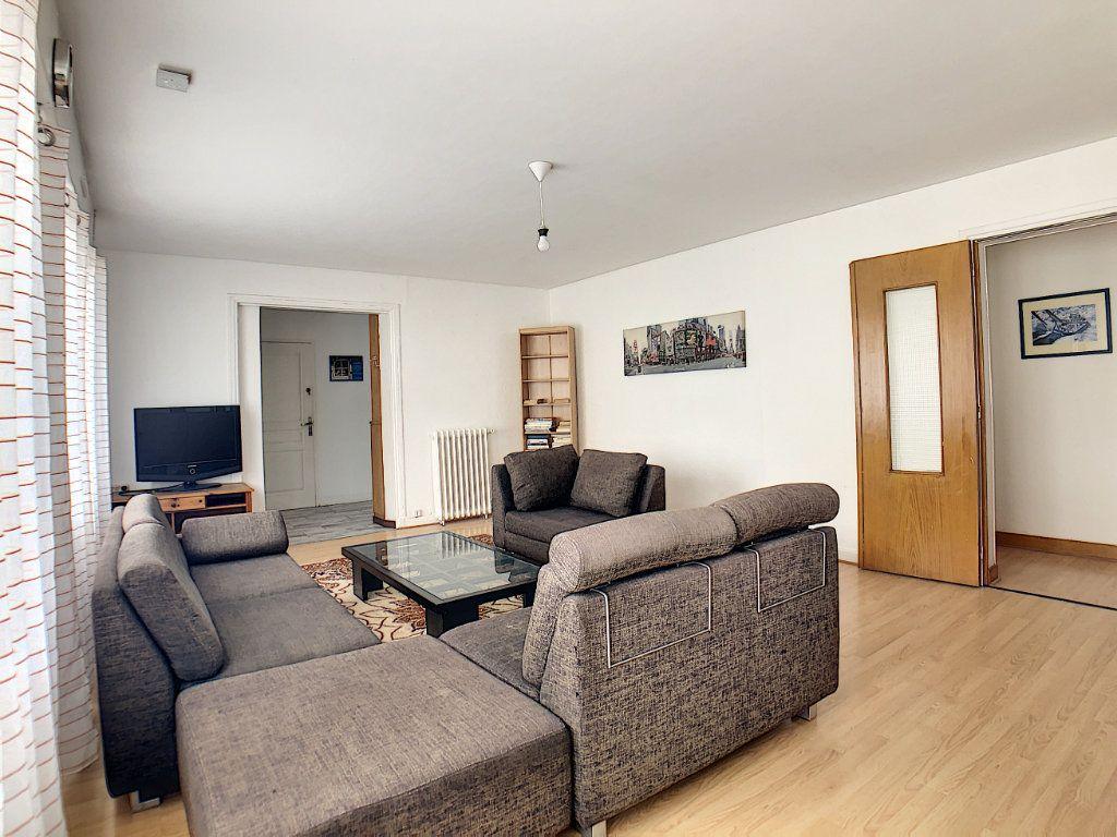 Appartement à louer 1 10m2 à Lorient vignette-6