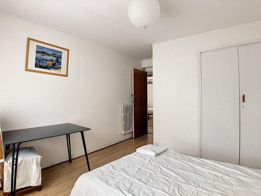 Appartement à louer 1 10m2 à Lorient vignette-13