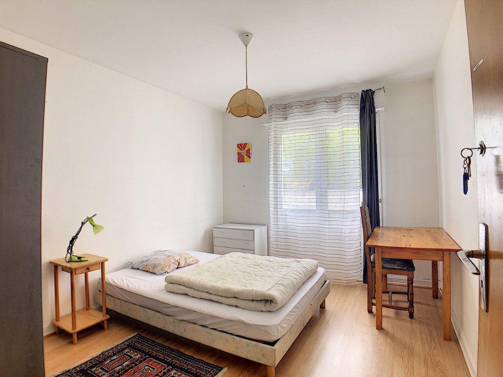 Appartement à louer 1 10m2 à Lorient vignette-14