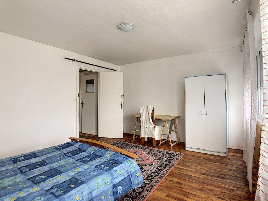 Appartement à louer 1 10m2 à Lorient vignette-17