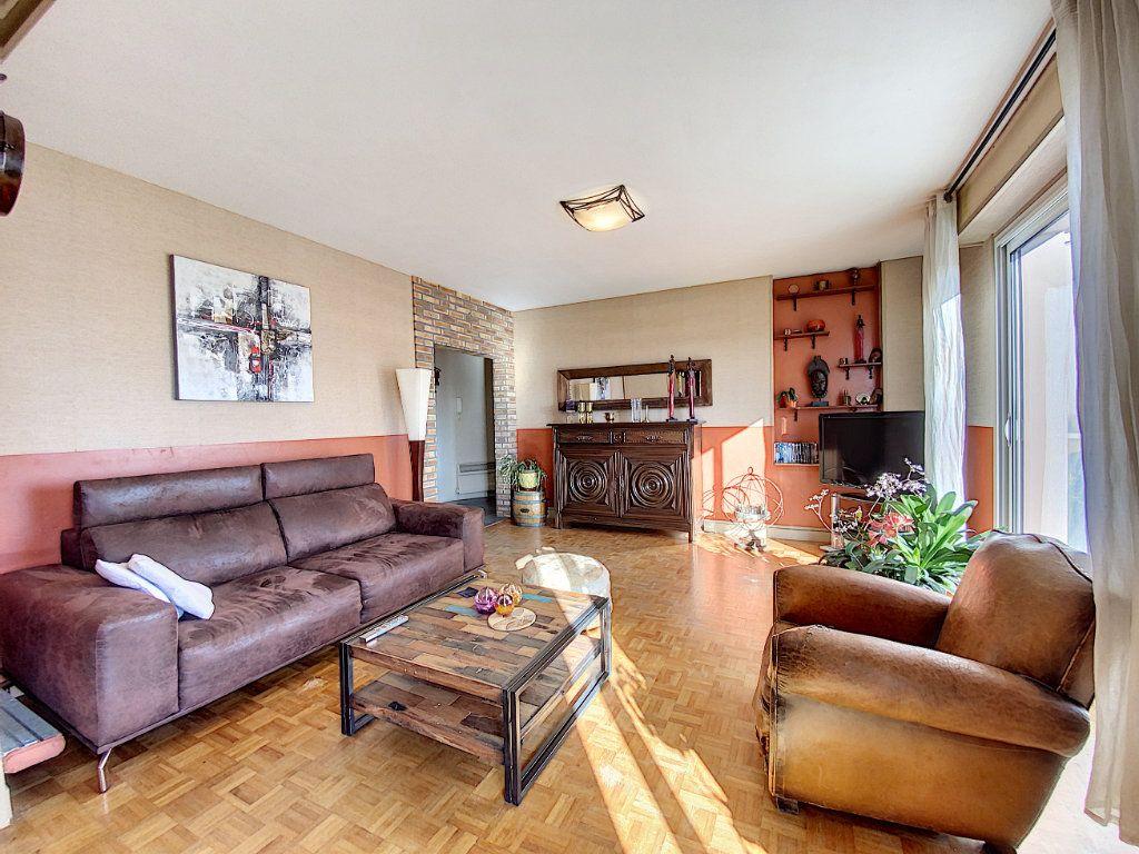 Appartement à vendre 4 90m2 à Lorient vignette-1
