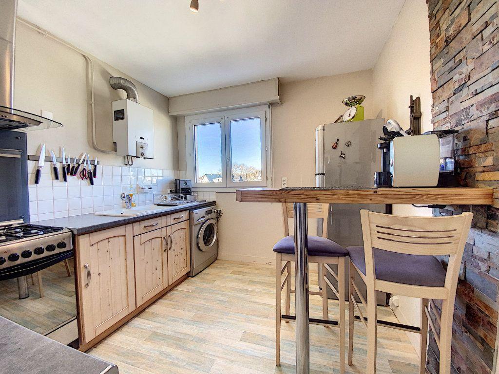 Appartement à vendre 4 90m2 à Lorient vignette-2