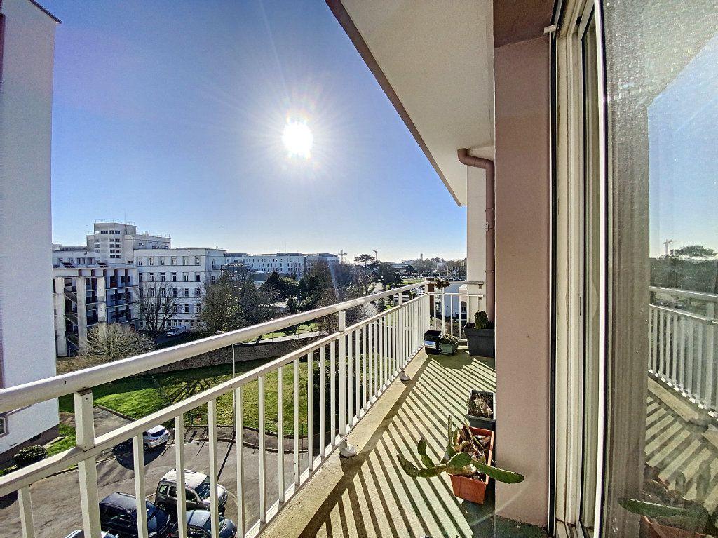 Appartement à vendre 4 90m2 à Lorient vignette-3