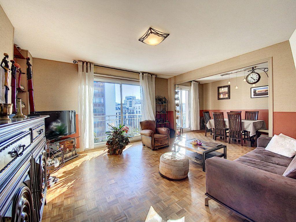 Appartement à vendre 4 90m2 à Lorient vignette-4