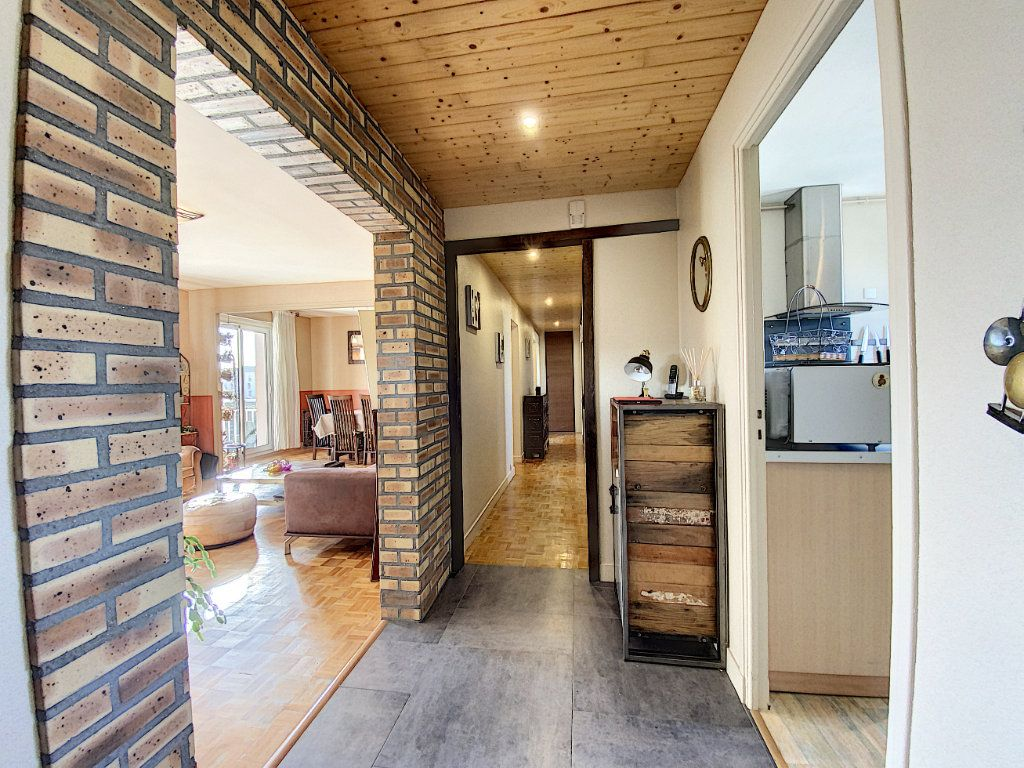 Appartement à vendre 4 90m2 à Lorient vignette-6