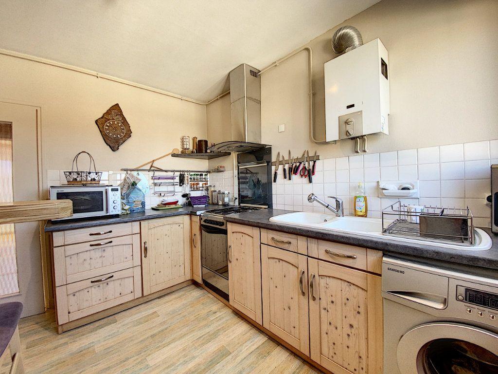 Appartement à vendre 4 90m2 à Lorient vignette-7