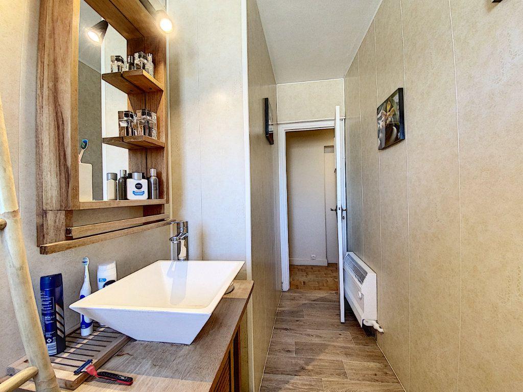 Appartement à vendre 4 90m2 à Lorient vignette-9