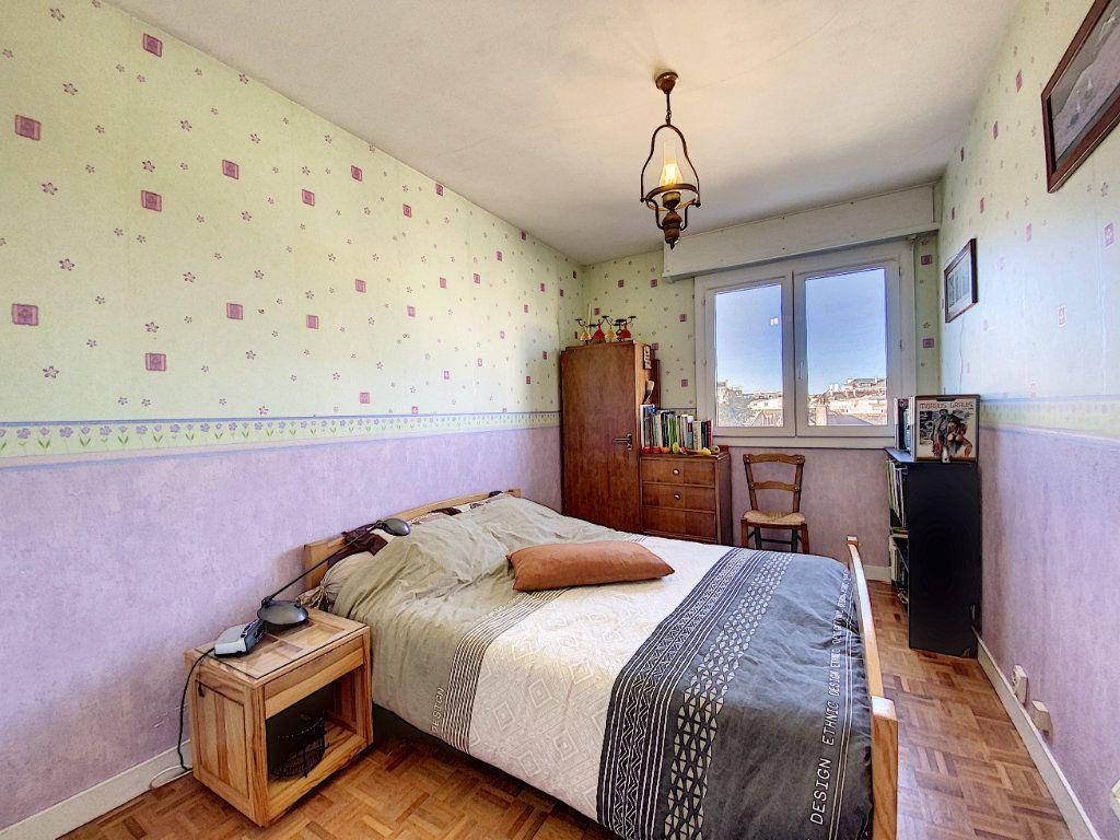 Appartement à vendre 4 90m2 à Lorient vignette-11