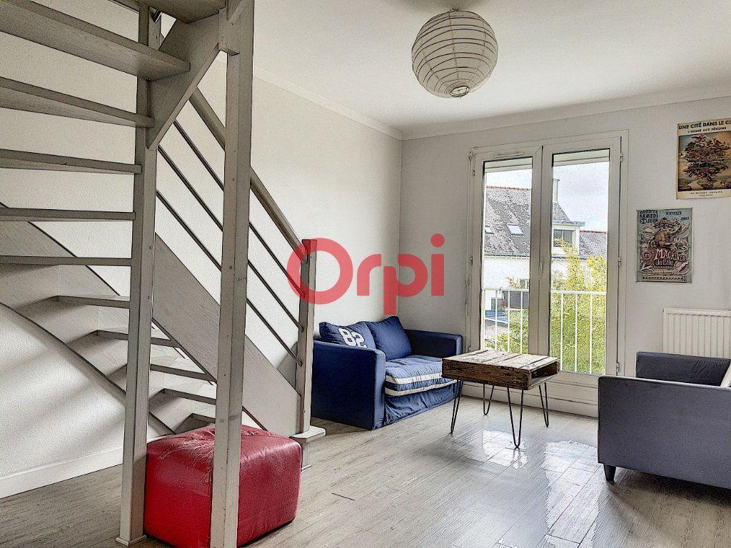 Immeuble à vendre 0 199.6m2 à Lorient vignette-2