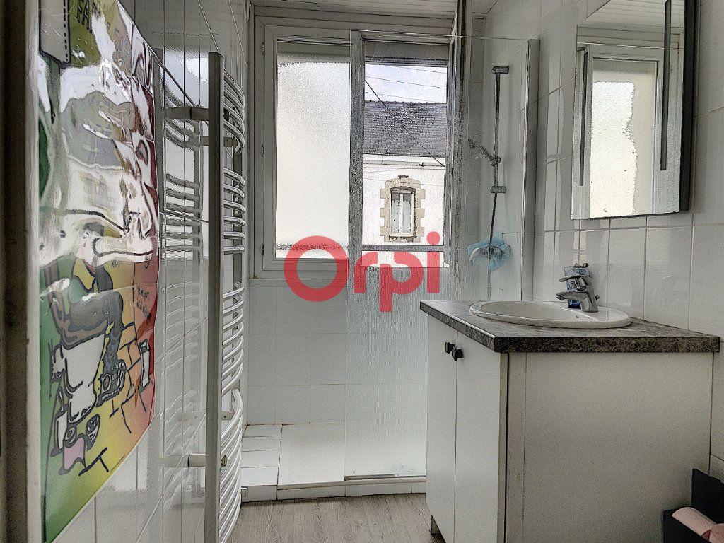 Immeuble à vendre 0 199.6m2 à Lorient vignette-7