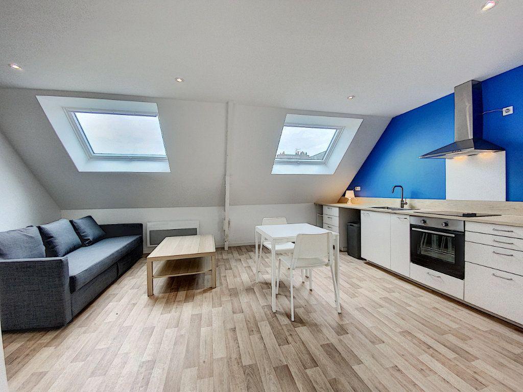 Appartement à louer 2 36.55m2 à Lorient vignette-1